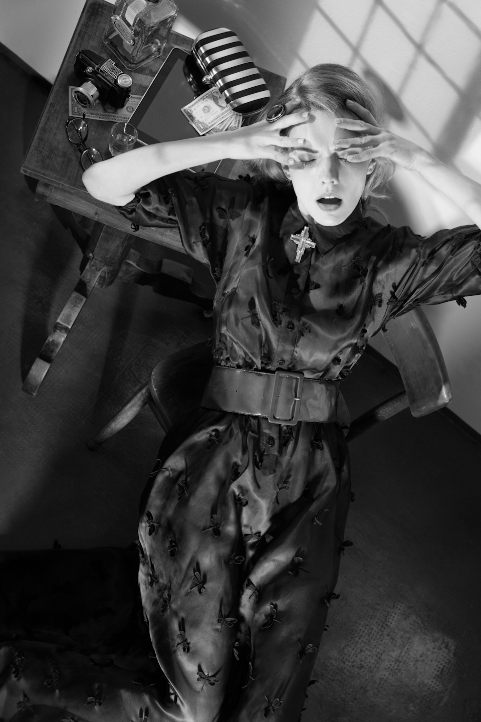 A Touch of Noir - Fashion editorial for Switch Magazine - Galli / Trevisan photographers